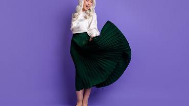 modne spódnice dla pan po 50