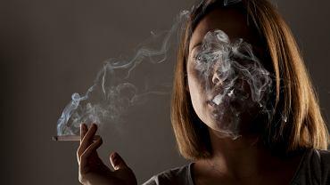 Palenie szkodzi nie tylko płucom, ale w również oczom