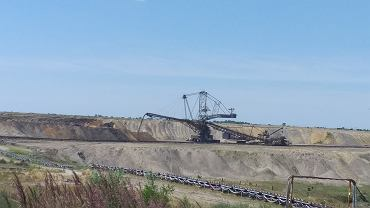 Odkrywka węgla brunatnego Jóźwin zlokalizowana kilka kilometrów od jezior Pojezierza Gnieźnieńskiego