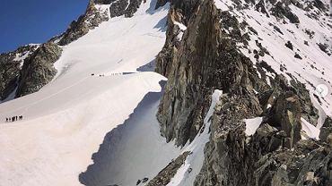 Lodowcowe jezioro w Alpach