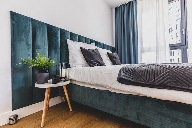 Jak wyczyścić tapicerkę łóżka? Domowe sposoby na czyszczenie łóżek tapicerowanych