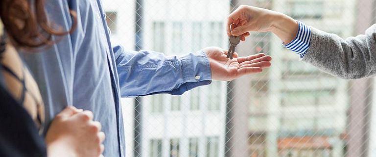 Wynajem mieszkania nadal droższy niż rata kredytu. Analitycy: Będzie drożej