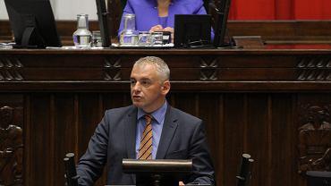 Obrady Sejmu w sprawie WSI i Antoniego Macierewicza - przemawia wnioskodawca z TR poseł Antoni Dębski