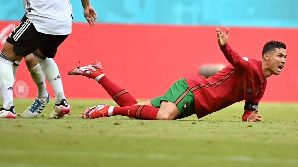 Dietmar Hamann skrytykował Cristiano Ronaldo za zachowanie w meczu Niemcy - Portugalia.