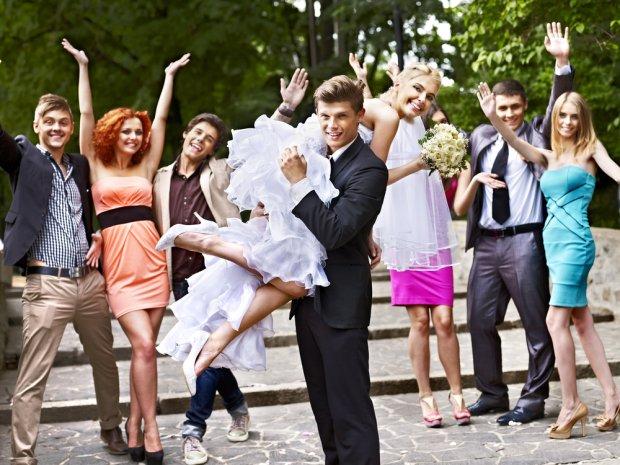 Savoir-vivre: jak składać życzenia młodej parze?