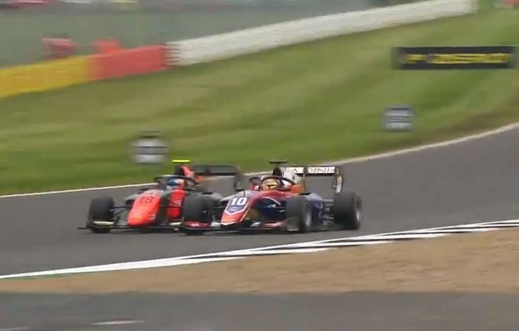 Niesamowite ostatnie okrążenie wyścigu Formuły 3!
