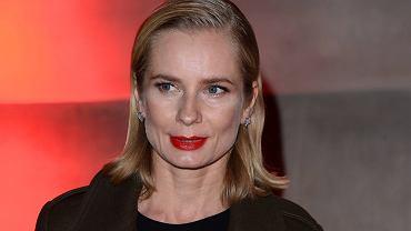 Magdalena Cielecka w charakteryzacji do nowej roli. Aktorka tak krótkich włosów jeszcze nigdy nie miała