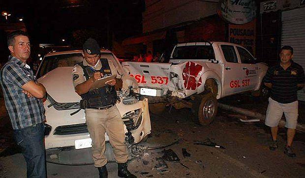 Toyota uderzyła w mur...