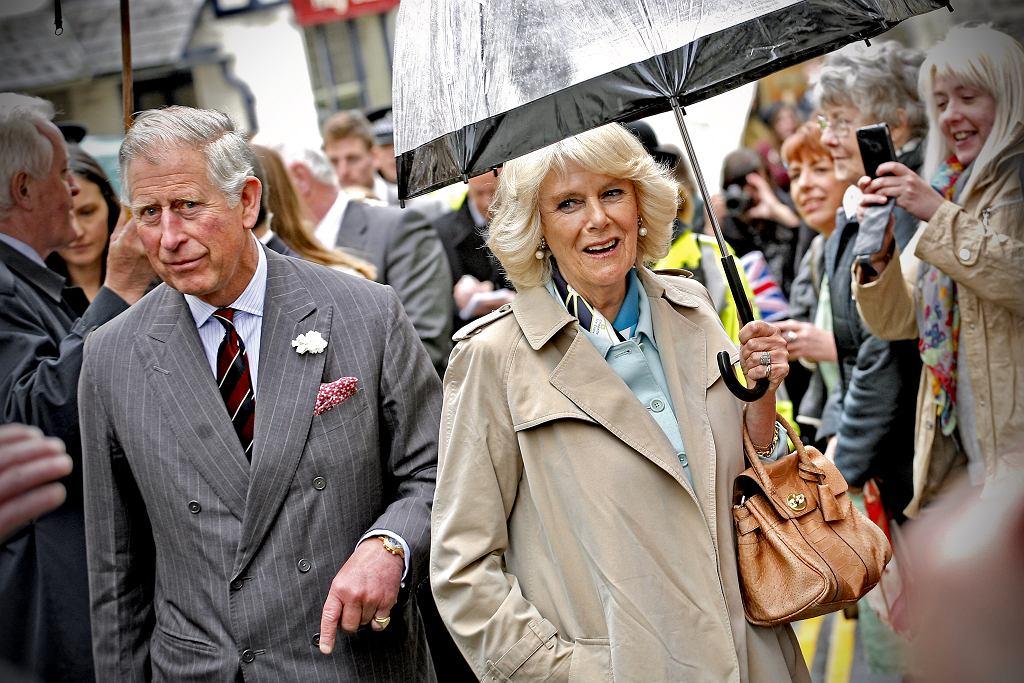 Czy książę Karol źle traktuje swoją żonę?