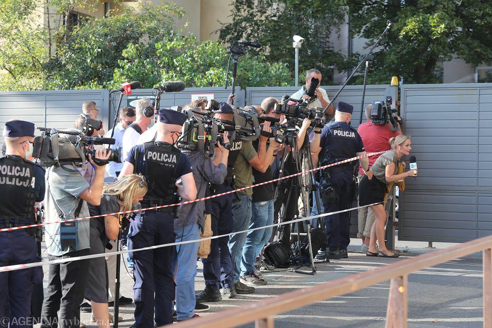 23.09.2020, Warszawa, media przed siedzibą PiS