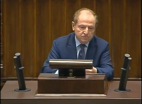 Tadeusz Iwiński na mównicy sejmowej