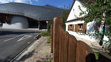 Stadion piłki nożnej w Felcsut obok domu rodzinnego Viktora Orbana