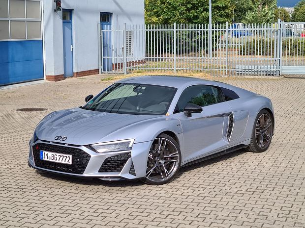 Opinie Moto.pl: Audi R8 Coupe V10 RWD to analogowy supersamochód