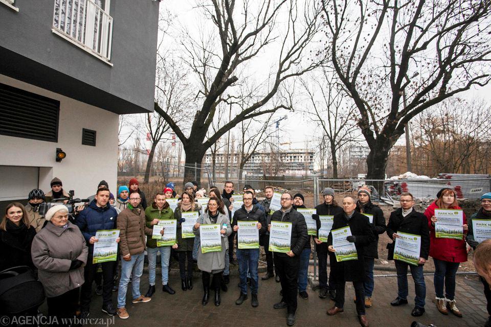Mieszkańcy walczą o stworzenie parku na Kępie Mieszczańskiej