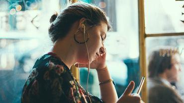 Jakich podcastów warto słuchać?