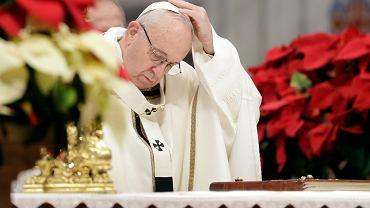 Papież Franciszek podczas mszy w bazylice św. Piotra. Watykan, 6 stycznia 2019 r.