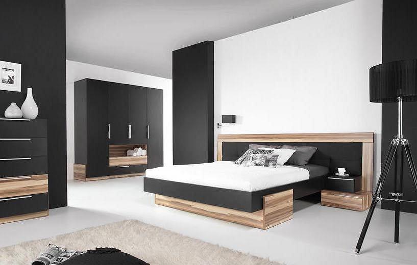 Łóżko dwuosobowe.