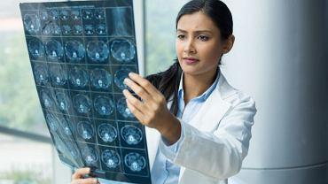 Diagnostyka obrazowa, ulokowana gdzieś pomiędzy radiologią a medycyną molekularną wykorzystuje przede wszystkim wiedzę i mechanizmy rządzące fizyką