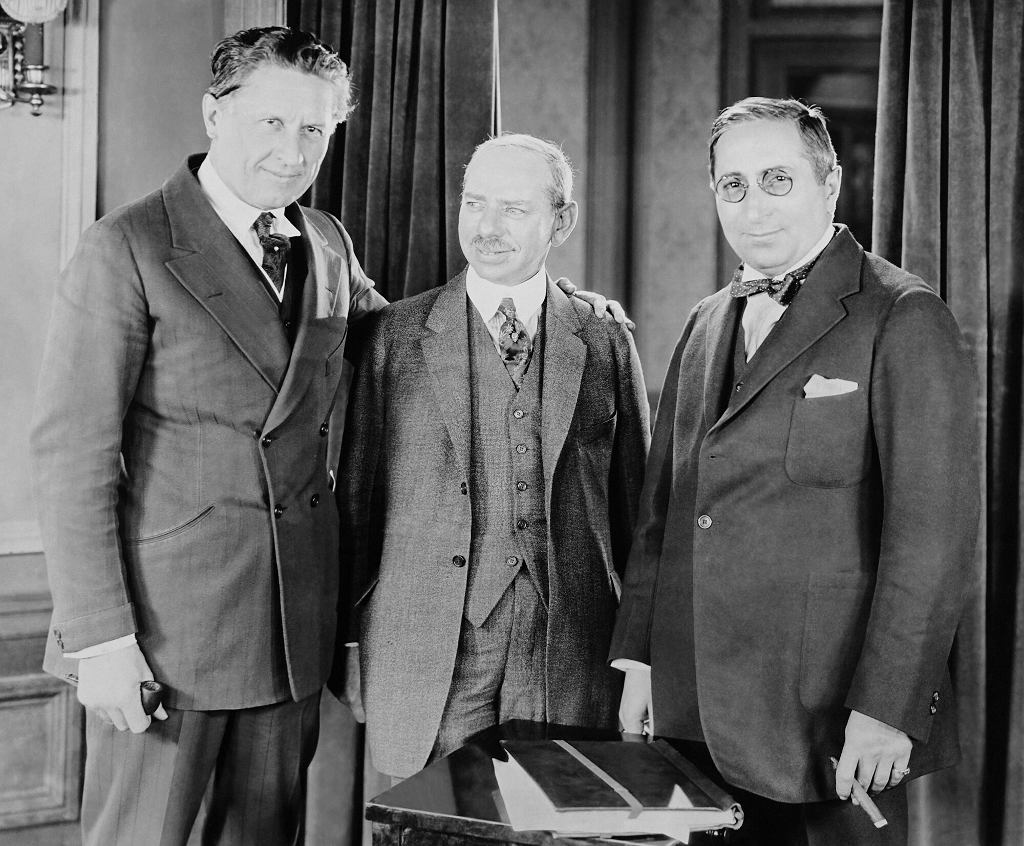 1923, Fred Niblo, Marcus Loew i Louis B. Mayern (po prawej)