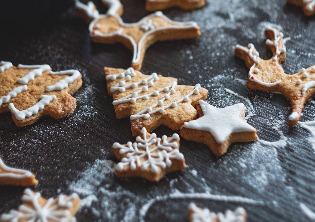 Prosty przepis na pierniczki świąteczne.