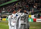 Ekstraklasa. Legia pokonała Miedź. Humory psuje poważnie wyglądająca kontuzja Sebastiana Szymańskiego