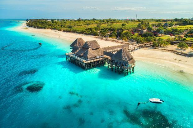 """U wybrzeży Zanzibaru powstanie drapacz chmur. """"Pierwsze prawdziwie kultowe miejsce w Afryce""""? Kontrowersji nie brak"""