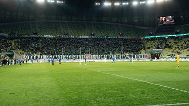 Obraźliwy transparent na meczu Lechii Gdańsk