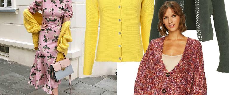 Kardigan na wiosnę: Zosia Ślotała wybrała żółty model od Bizuu. Mamy podobne!