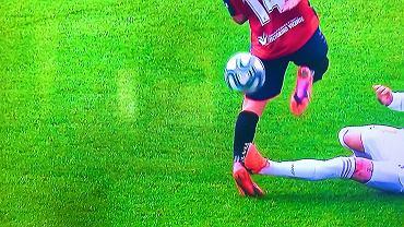 Sergio Ramos i jego brutalny faul w ligowym meczu z Osasuną