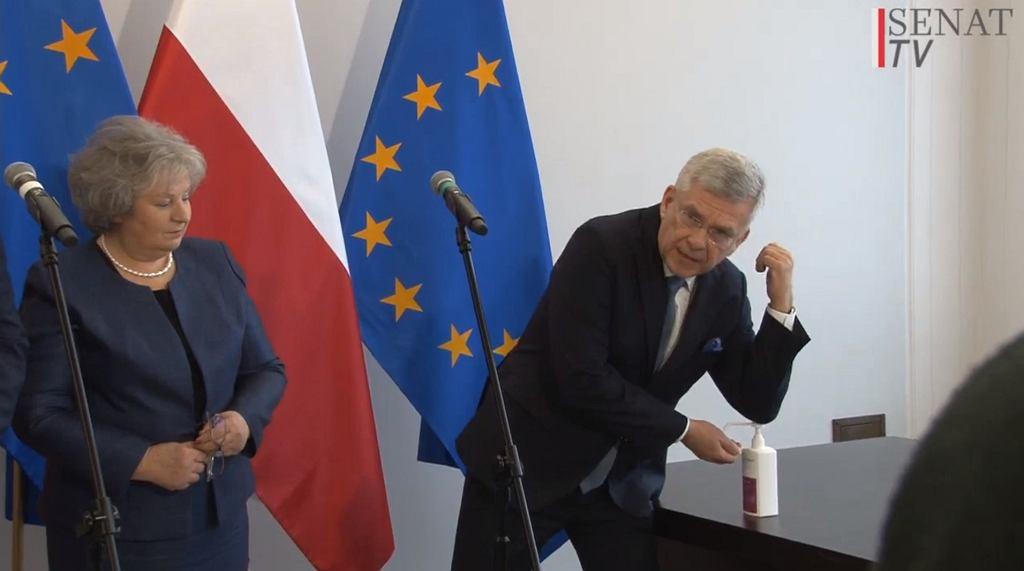 Stanisław Karczewski krytykuje Tomasza Grodzkiego za błędne mycie rąk