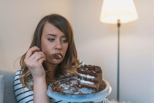 Dlaczego się objadamy? Czy winien jest tylko stres?