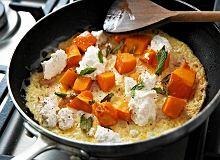 Omlet z dynią i ricottą - ugotuj