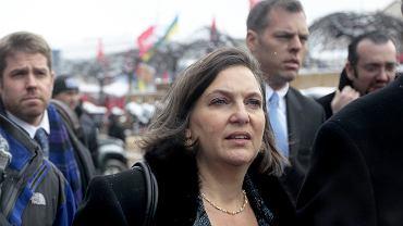 Victoria Nuland, amerykańska sekretarz ds. europejskich, spotkała sięz przedstawicielem Moskwy Władysławem Surkowem w kwestii Ukrainy. Na zdjęciu: Nuland na Majdanie w grudniu 2013