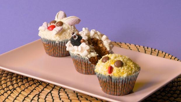 Wielkanocna zagroda z muffinkami
