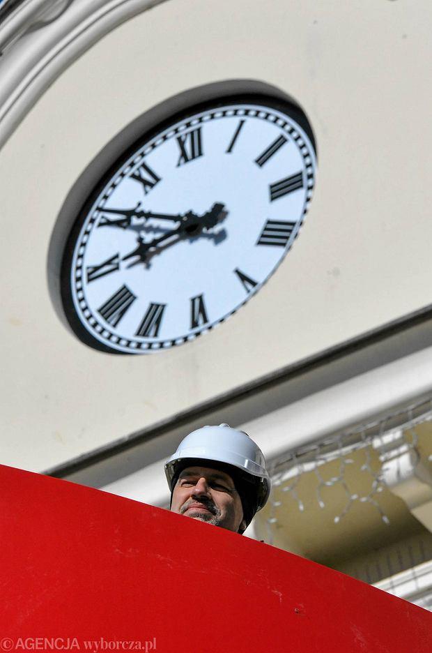 Zdjęcie numer 6 w galerii - Ratuszowa zagadka rozwiązana. Bydgoszcz ma nowy zegar [ZDJĘCIA]