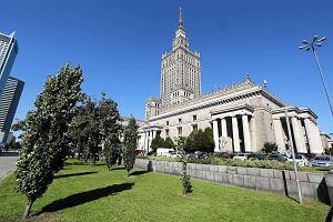 Reprywatyzacja w Warszawie. Żona adwokata od roszczeń pracowała w biurze zwracającym nieruchomości