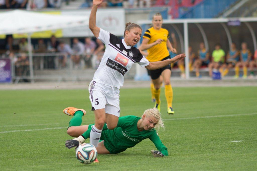 Mecz turnieju eliminacyjnego Ligi Mistrzyń Medyk Konin - Gintra Universitetas Szawle 4:0. Aleksandra Sikora