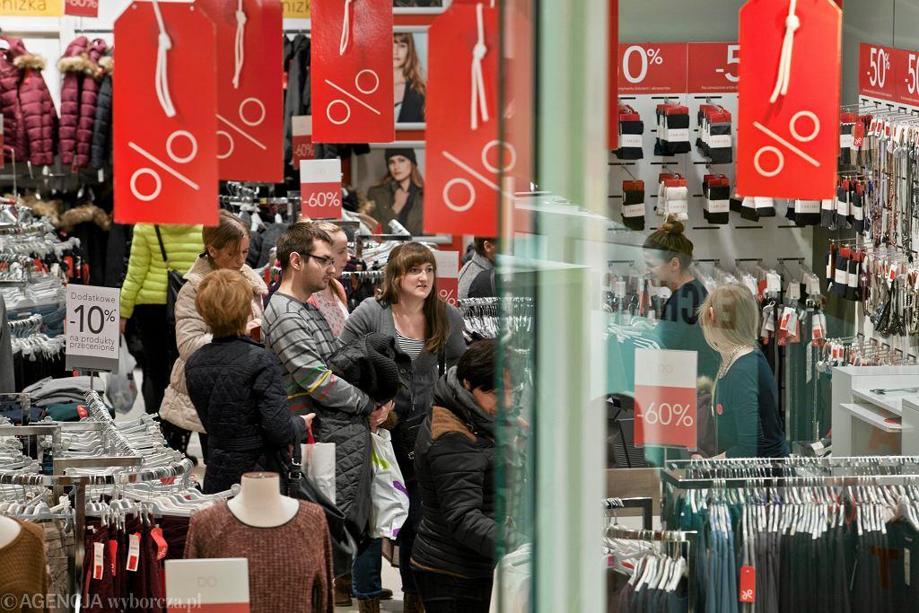 Camaieu wycofuje się z Polski. Do kiedy zrobimy zakupy w sklepach marki?