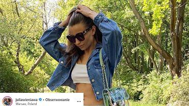 Julia Wieniawa w najmodniejszych spodniach sezonu. Ten model to hit, który modeluje sylwetkę
