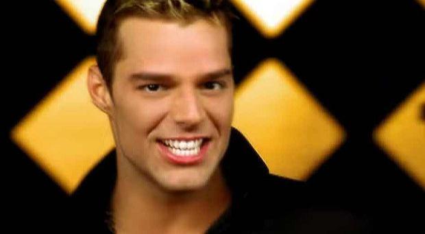 Ricky Martin - Livin' La Vida Loca (Official Music Video)