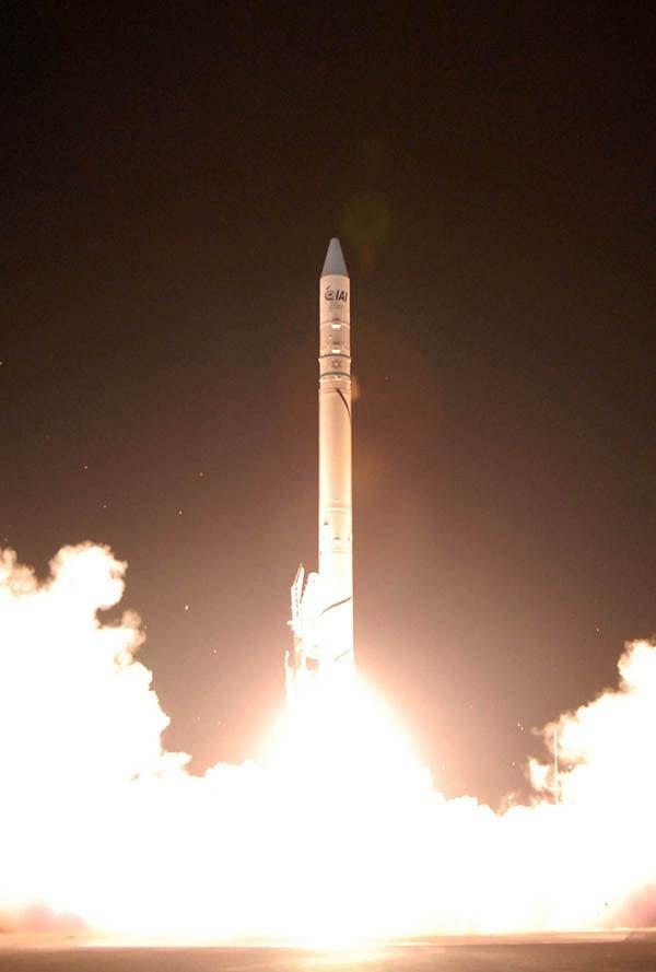 Start rakiety Shavit-2 z satelitą Ofek-7