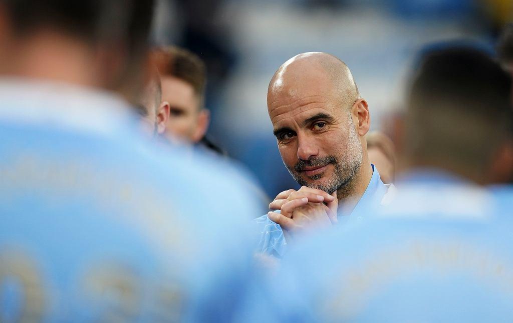 Pep Guardiola rusza na zakupy. Robert Lewandowski na jego liście życzeń