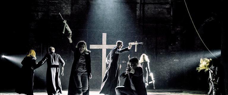Po śmierci Adamowicza w spektaklu ''Klątwa'' zmieniono jedną scenę. Prawica protestuje