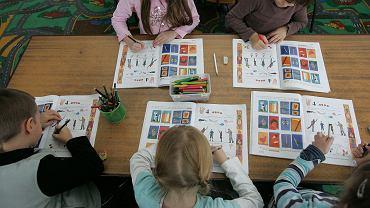 Lekcja w szkole (zdjęcie ilustracyjne)