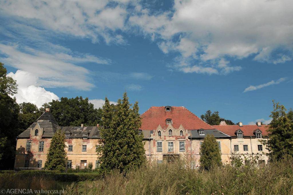 Pałac rodziny Lehndorffów w Sztynorcie. Zdjęcie z 2011 r. / Fot. Przemysław Skrzydło / Agencja Gazeta