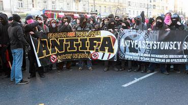 Antifa, ul. Marszałkowska w Warszawie, 11 listopada 2011 r.