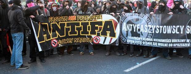 https://bi.im-g.pl/im/7/10633/z10633457W,Antifa--ul--Marszalkowska-w-Warszawie.jpg