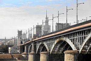 Most Poniatowskiego, czyli piekło rowerzystów. Jechać chodnikiem? Nie. Z jezdnią też może być problem