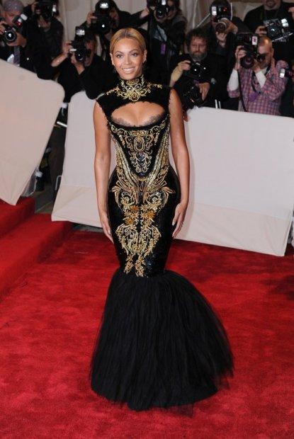 May 2, 2011, New York, New York, USA: Metropolitan Museum Costume Gala Benefit celebrates Alexander McQueen : Savage Beauty on Fifth Avenue . /// Beyonce. Credit: Andrea Renault / Polaris