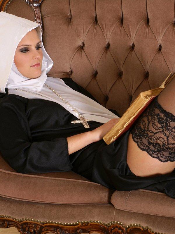Erotyczne fantazje dotyczące zakonnic są popularne wśród użytkowników stron pornograficznych